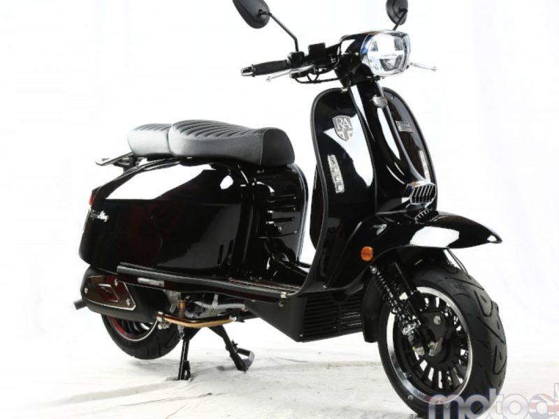 gloss-black-468